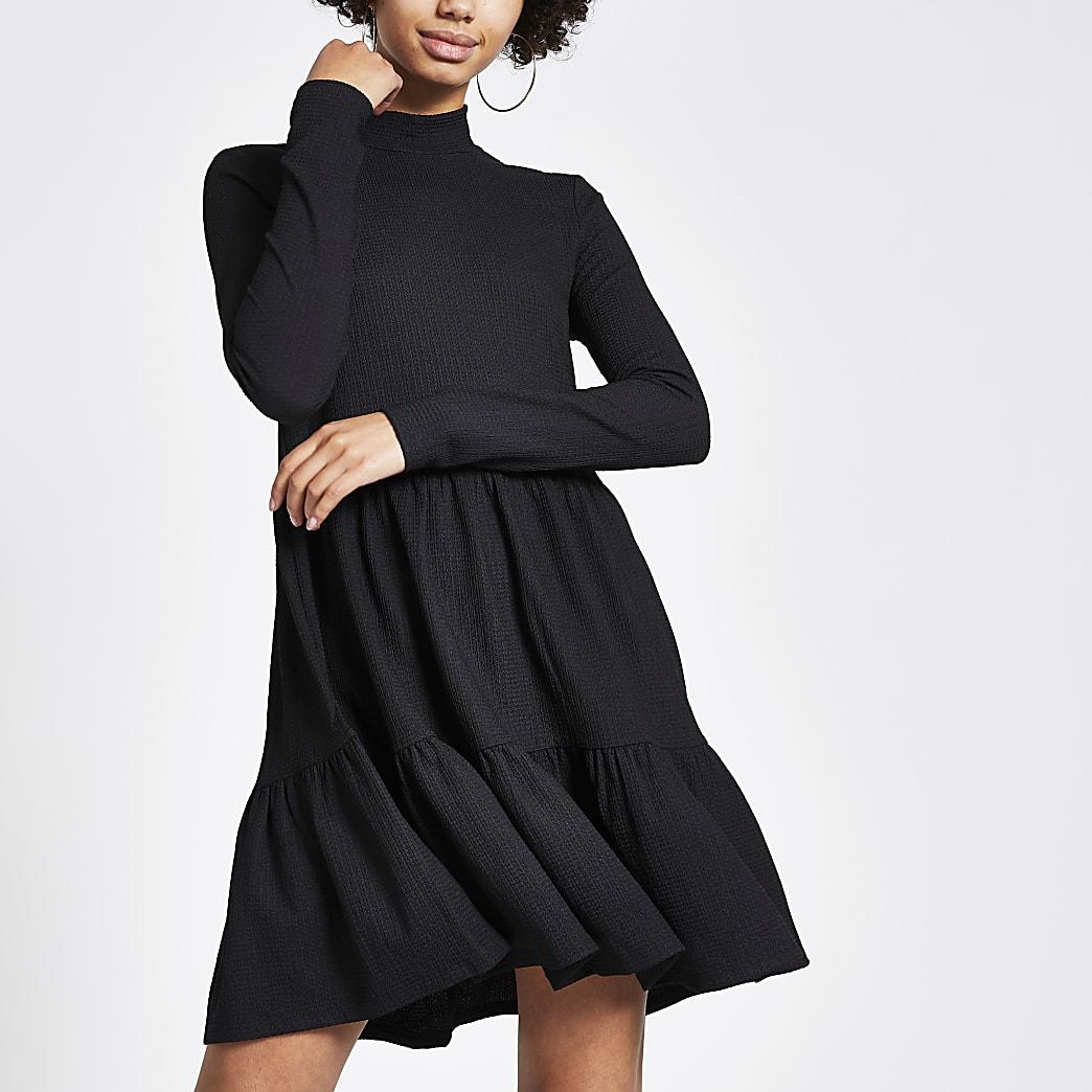 Mini-robe noire à smocks en jersey