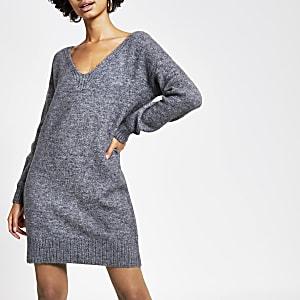 Hinten gebundenes Strickpullover-Kleid in Grau