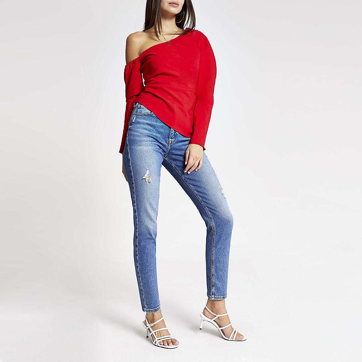 Rode asymmetrische schouderloze bardot top