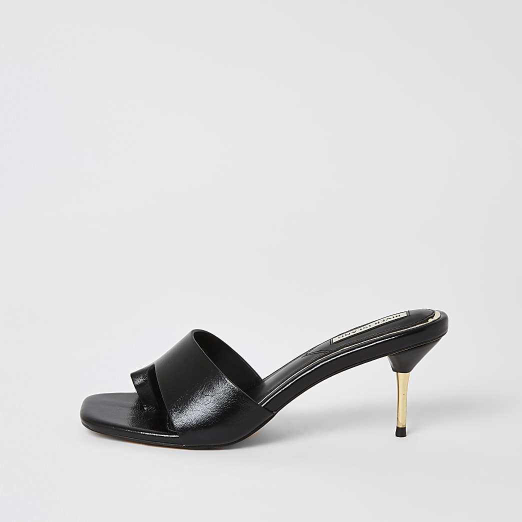 Black toe loop heeled mule sandals