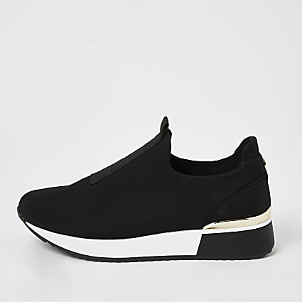 Black scuba pull on runner trainers