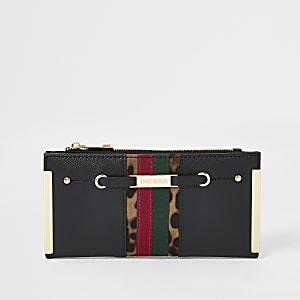 Zwarte uitvouwbare portemonnee met gestreepte kleurvlakken en metalen hoeken
