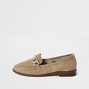 Loafers aus Wildleder in Creme mit Nieten