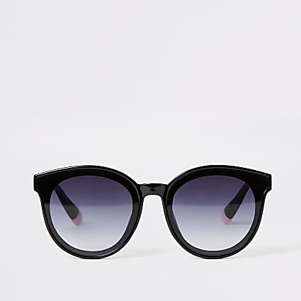 Black glam shape sunglasses