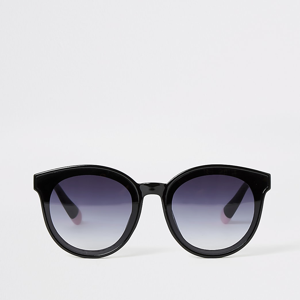 Black glam shape sunglasses