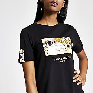 Schwarzes, kastiges T-Shirt mit Print und Knopf an den Ärmeln