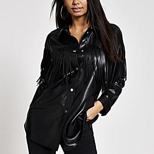Veste chemise en cuir synthétique noirà franges