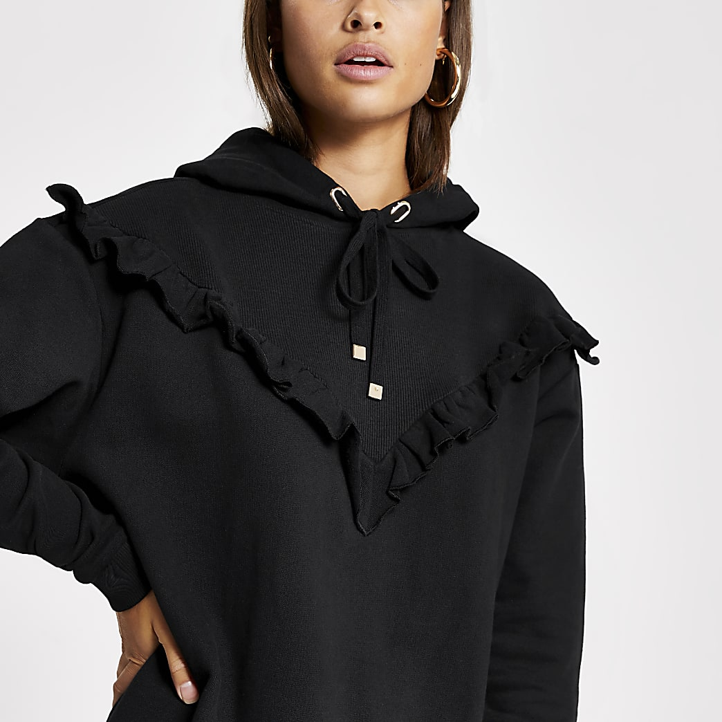 Zwarte geribbelde hoodie met ruches in V-vorm