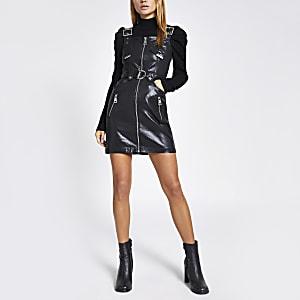 Beschichtetes Minikleid in Schwarz mit Gürtel und durchgehendem Reißverschluss