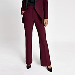 Rote Anzughose mit Schlag