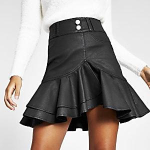 Schwarzer, beschichteter Mini-Jeansrock mit Rüschen