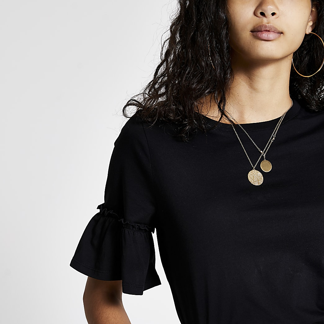 Black short fluted sleeve T-shirt