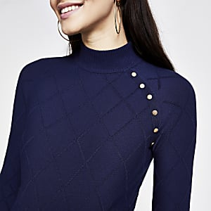Gesteppter, hochgeschlossener Pullover in Marineblau mit Knöpfen