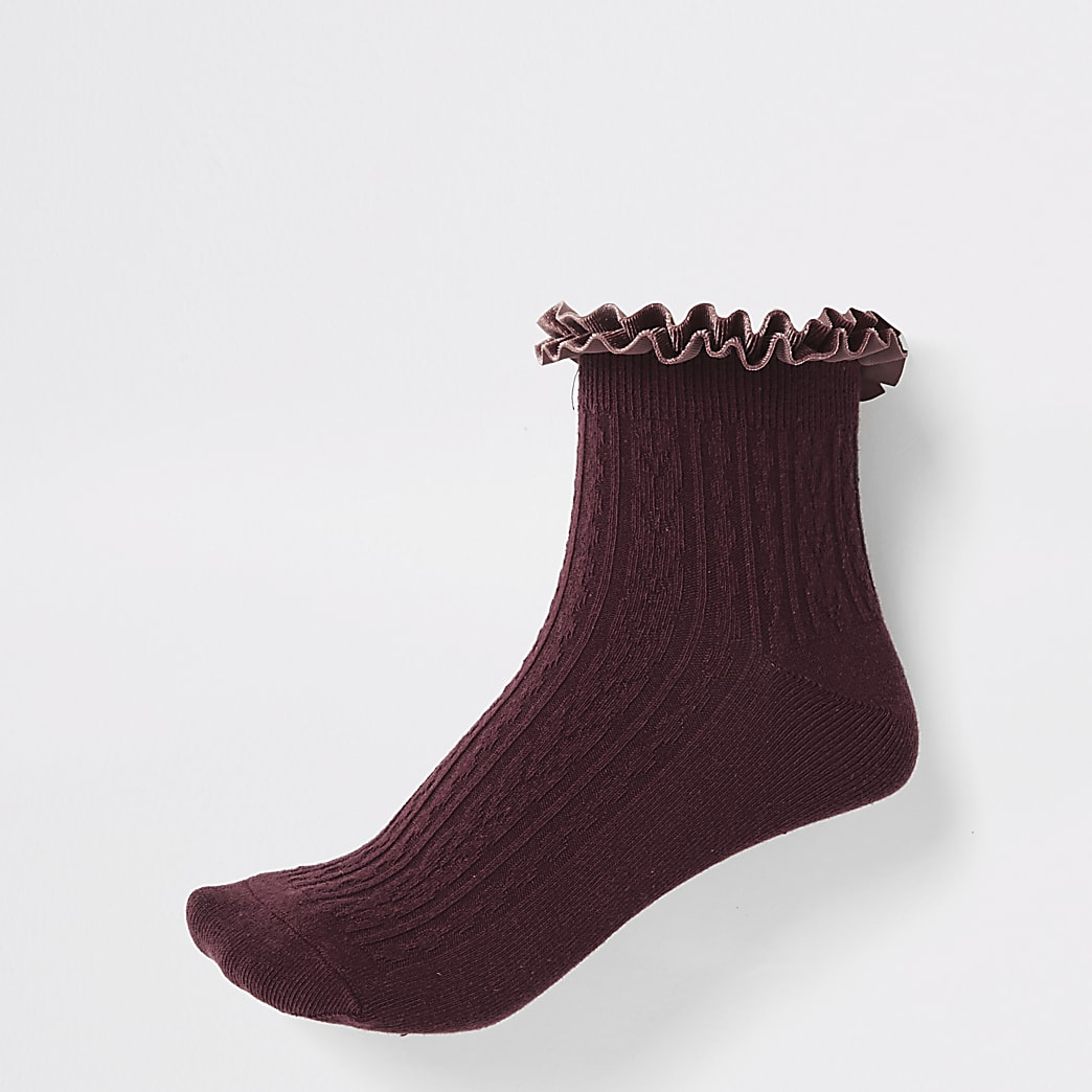 Dark red frill cable knit socks