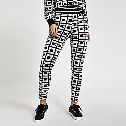 Black RI monogram leggings