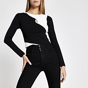 Zwarte geribbelde cropped trui met overslag en uitsparing