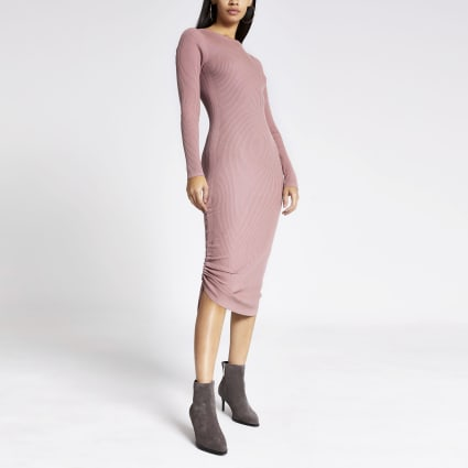 Dark pink ribbed ruched side dress