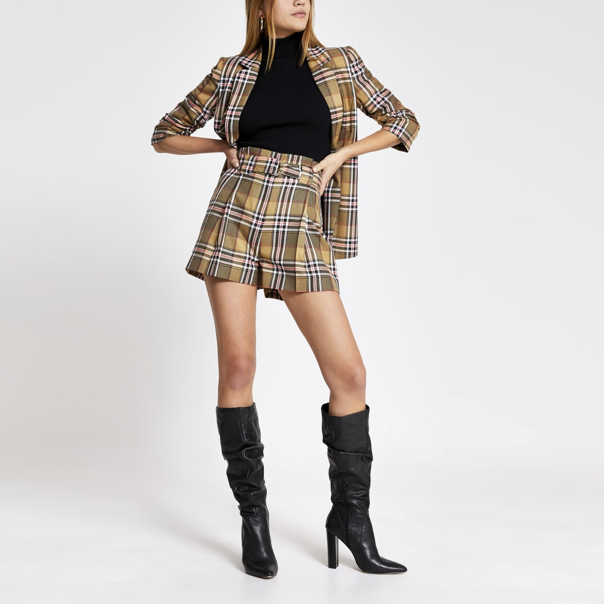Beige check belted shorts