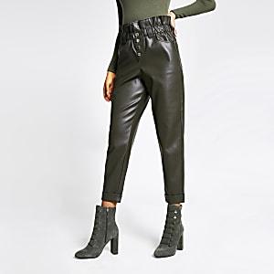 Pantalon imitation cuir kaki à taille haute ceinturée et bouton