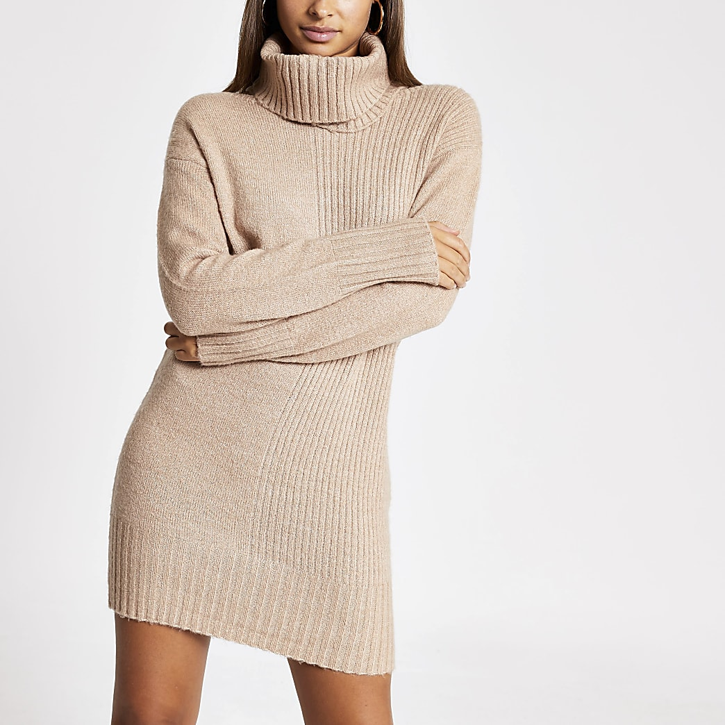 Beige detachable snood knitted dress
