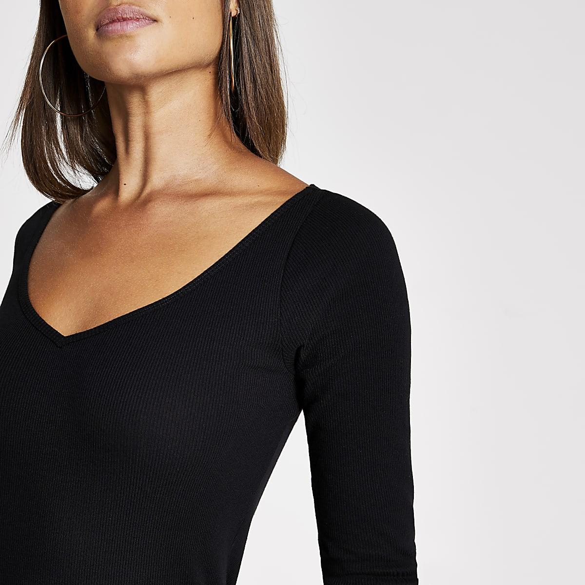T-shirt noir à col en V côtelé et manches longues