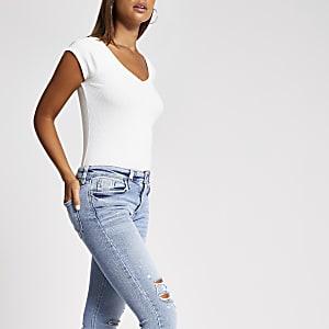Kurzärmliges, geripptes T-Shirt mit V-Ausschnitt in Weiß