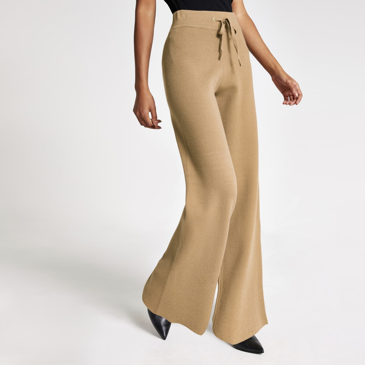 Brown knitted straight leg trousers