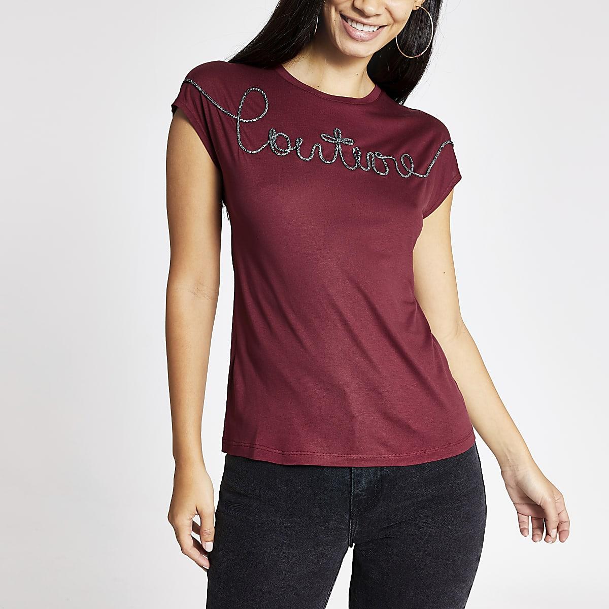 Donkerrood T-shirt met geborduurde 'Couture'-print