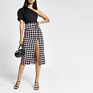 Pink dogtooth check midi skirt