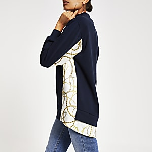 Marineblaues, hochgeschlossenes Sweatshirt