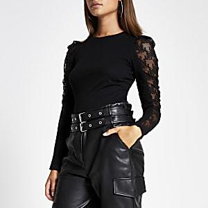 Zwart kanten T-shirt met lange doorschijnende pofmouwen