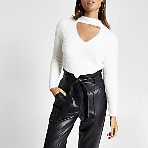 Langärmliger Plüsch-Pullover mit Ausschnitt in Creme