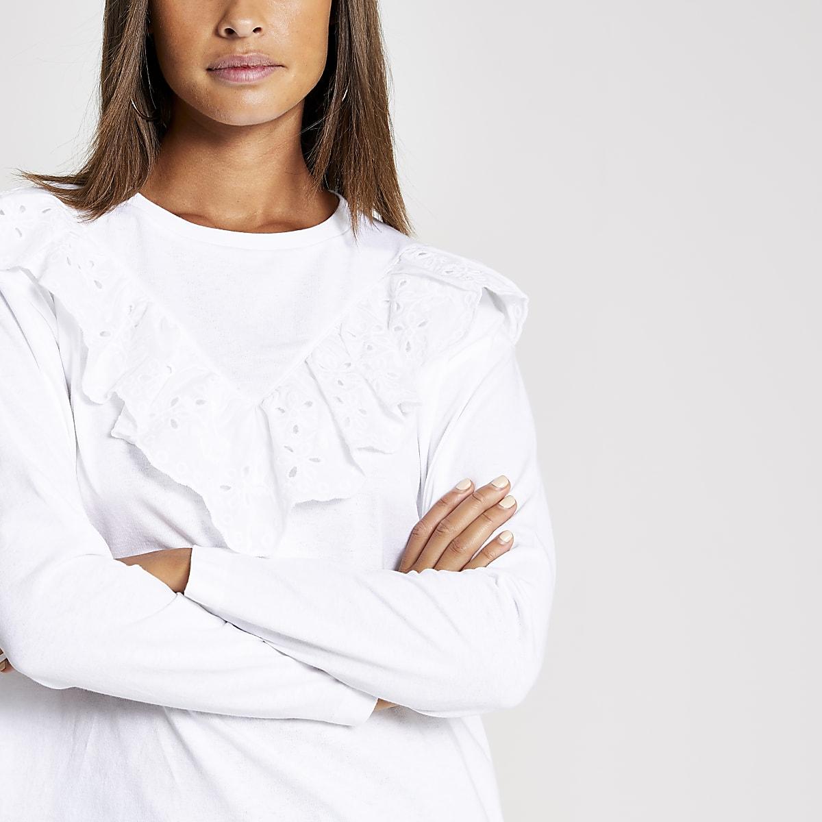 Wit T-shirt met broderie ruches en lange mouwen