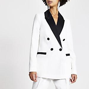 Weißer Blazer mit farblich abgesetztem Revers aus Satin