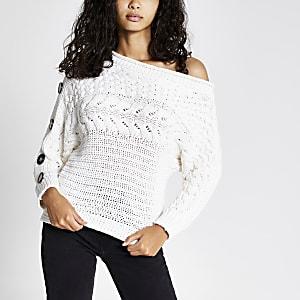 Pull en tricot torsadé écru