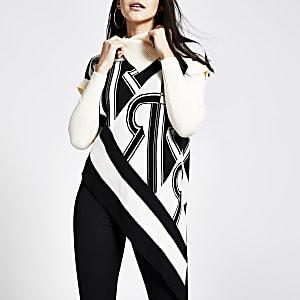 Bedruckter, cremefarbener Pullover mit asymmetrischem Rollkragen