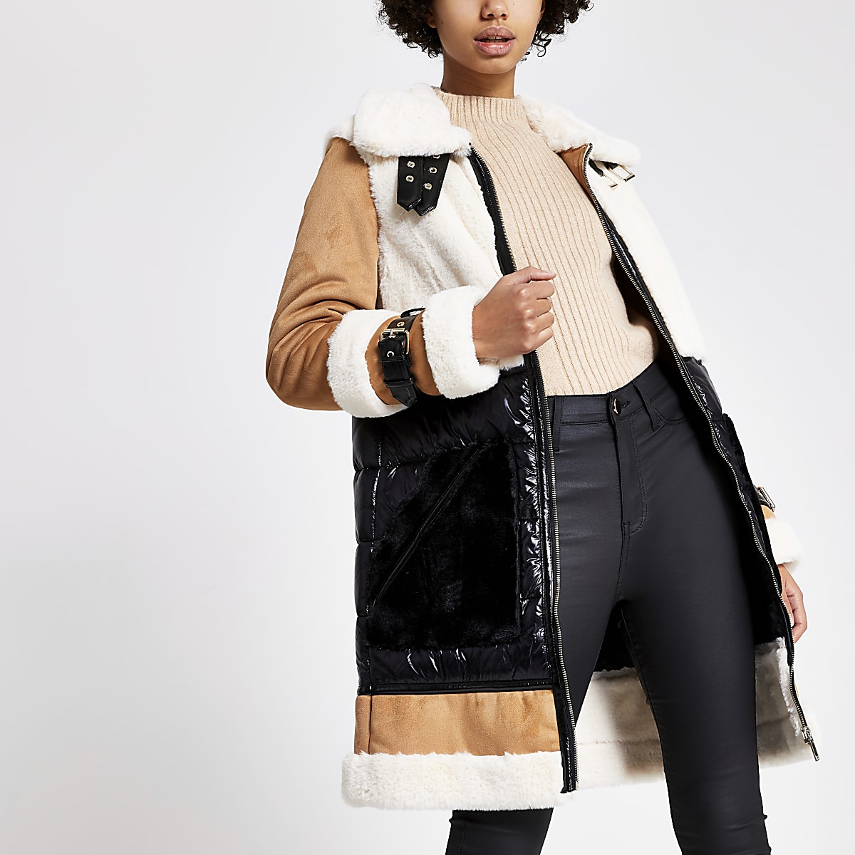 Manteau marron en fausse fourrure colour block