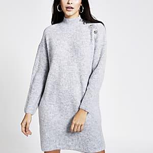 Strickpulloverkleid in Grau mit Knopf an der Schulter