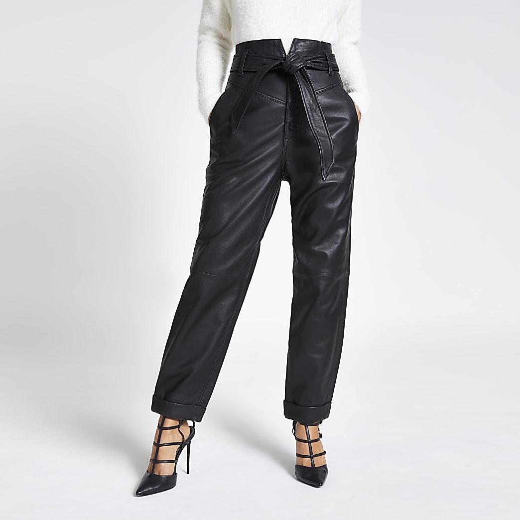 Pantalons carotteen cuir noir avec ceinture