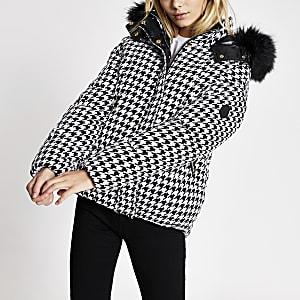 Manteau matelasséblanc pied-de-poule à carreaux