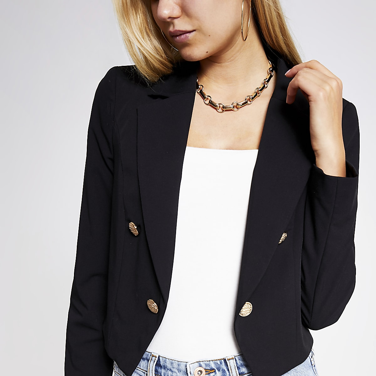 Black button cropped blazer
