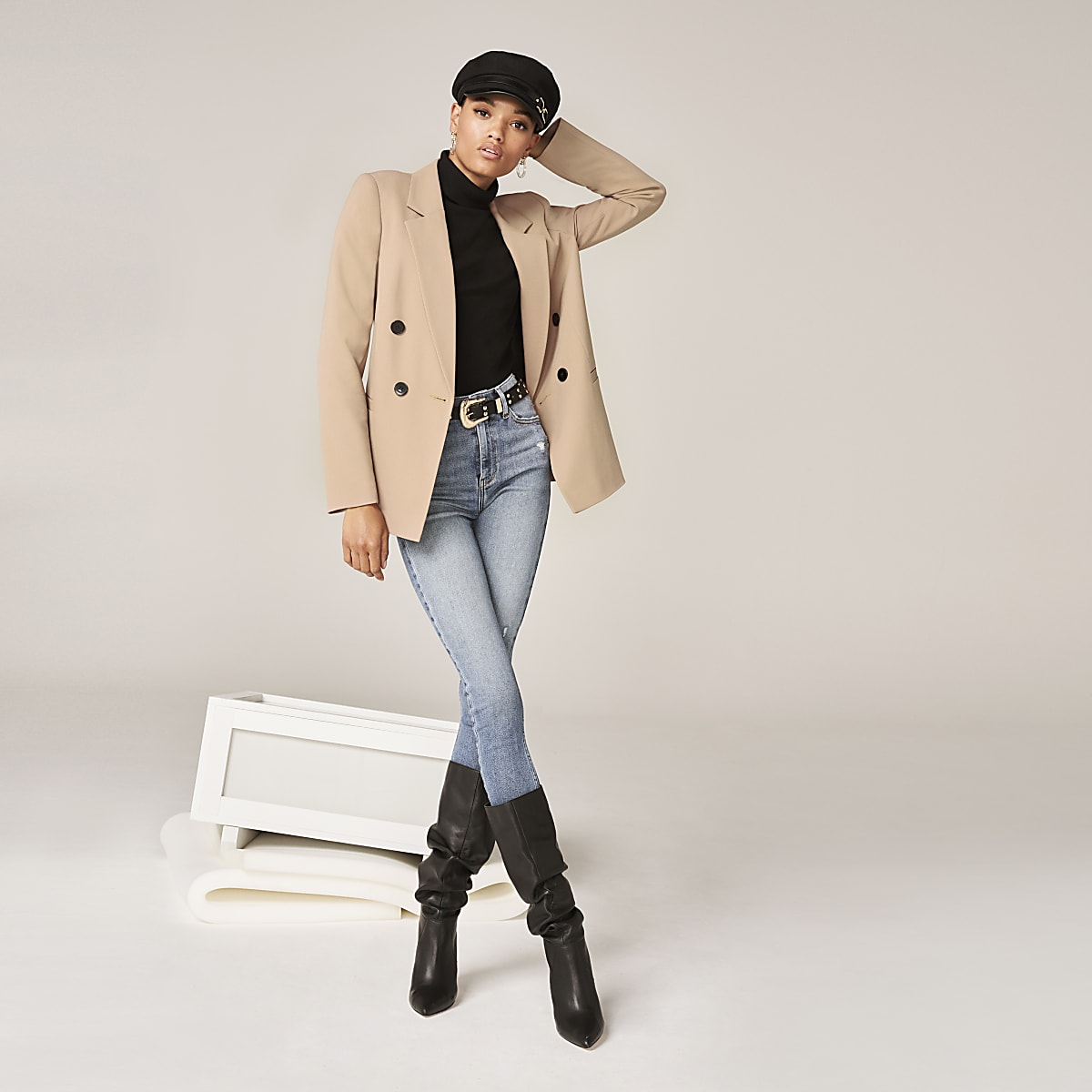 Beige double-breasted boyfriend blazer