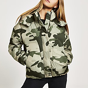 Graue Steppjacke mit Camouflage-Muster