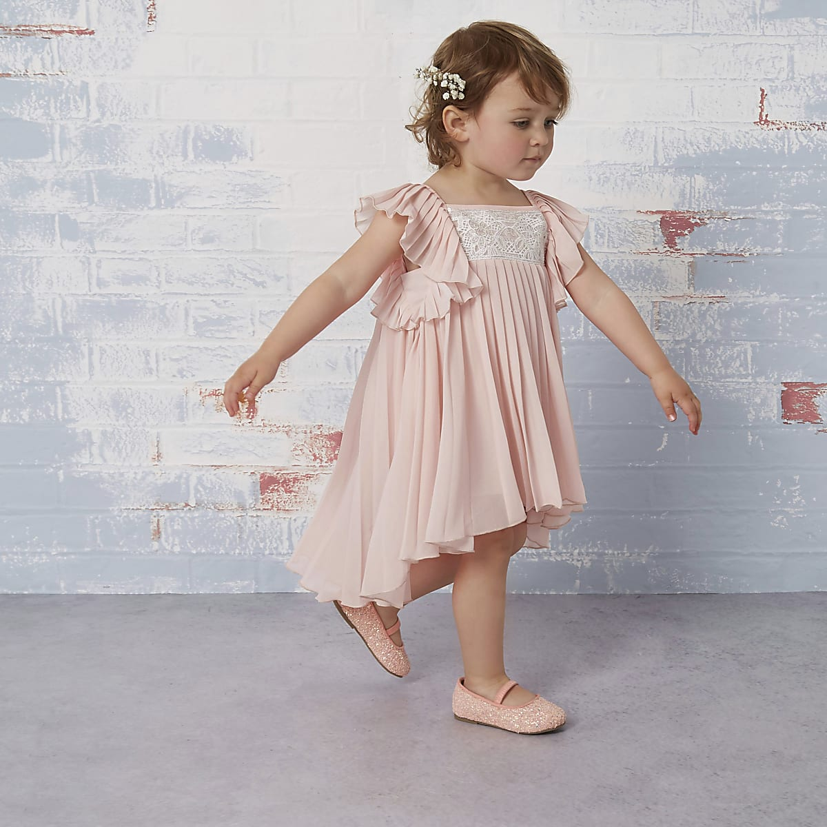 Mini girls pink pleated flower girl dress