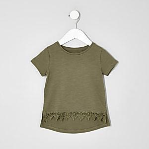 T-Shirt mit Häkelsaum in Khaki