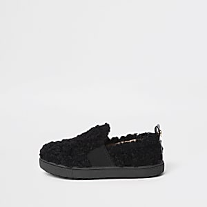 Mini girls black faux fur slip on plimsolls