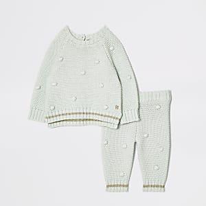 Ensemble en maille vert à pompon pour bébé