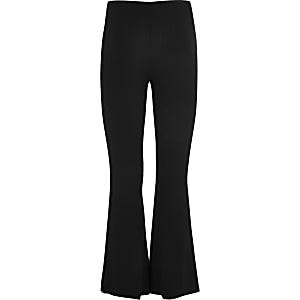 Gerippte, ausgestellte Hose in Schwarz für Mädchen