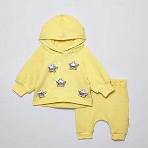 Outfit met gele oversized hoodie met ster voor baby's