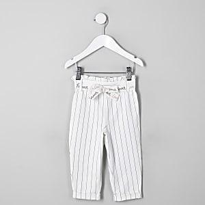 Weiße Paperbag-Hose mit Streifen